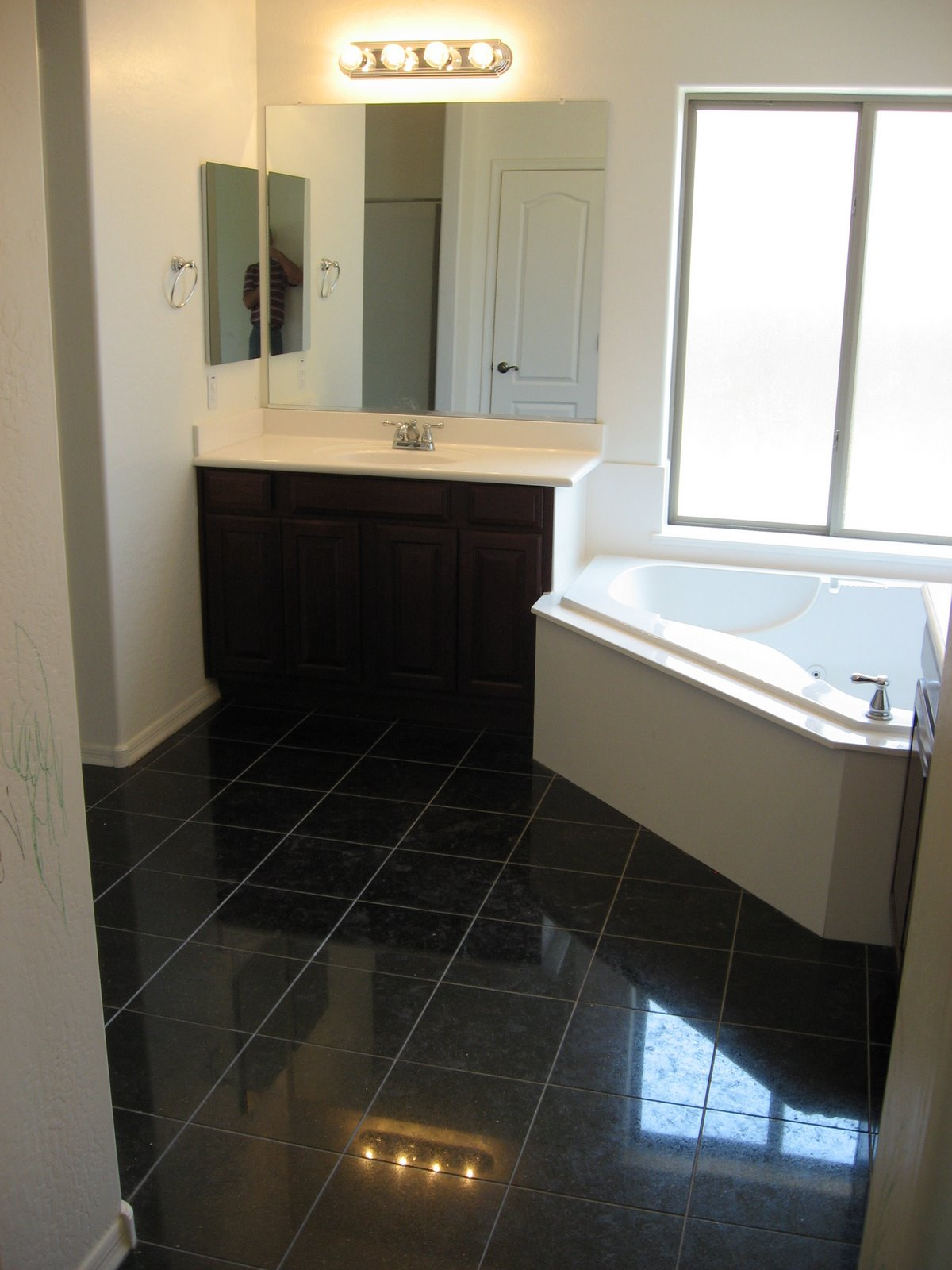Black Granite Bathroom Floor Tiles - Thedancingparent.com